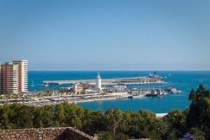 Ave para visitar Málaga desde Barcelona con grandes descuentos
