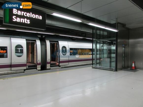 Servicios ferroviarios entre Barcelona, Valencia y Granada en agosto