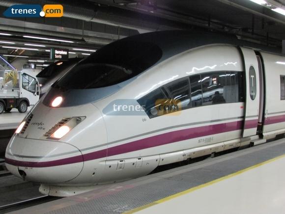 Los trenes a Santiago y A Coruña transportan un 8'8% más este año