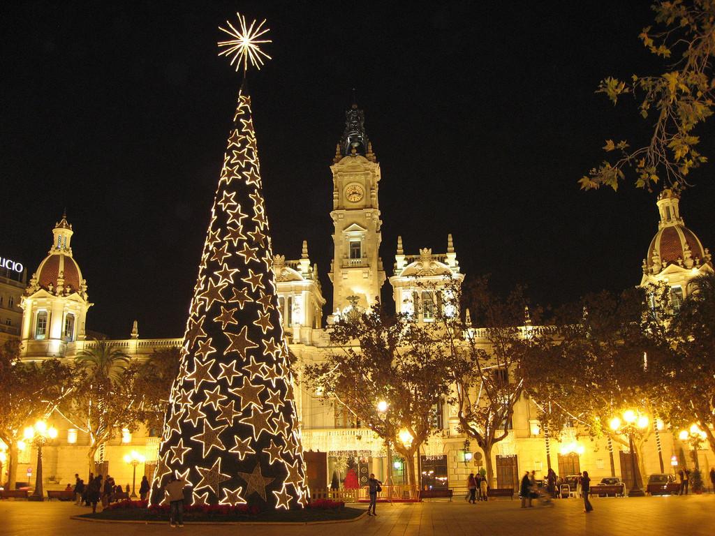 Dónde están los alojamientos más baratos para Nochevieja en España