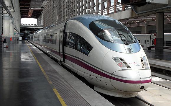 Vive un fin de semana cultural viajando en AVE a Madrid