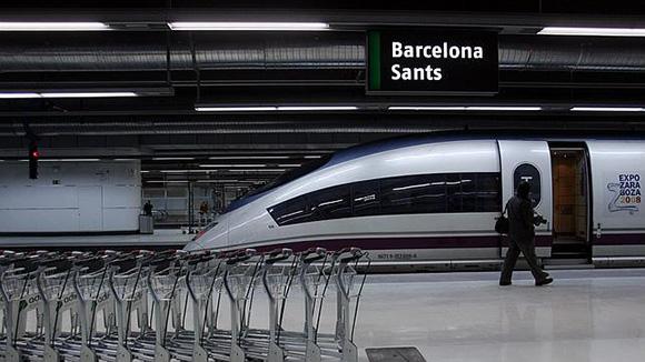 El AVE entre Madrid y Barcelona gana al avión