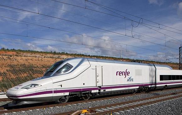 Se firma convenio para facilitar el viaje en tren a enfermos de ELA con su acompañante