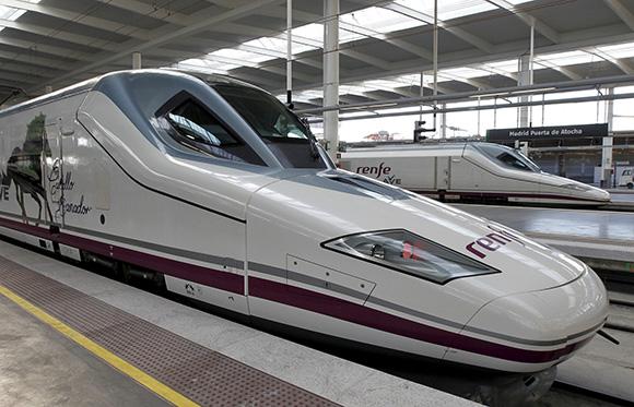 Disfruta de la ciudad de Zaragoza en verano viajando en trenes AVE