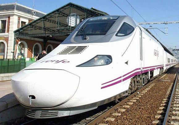 Se multiplica por cuatro la oferta habitual de trenes en Zafra