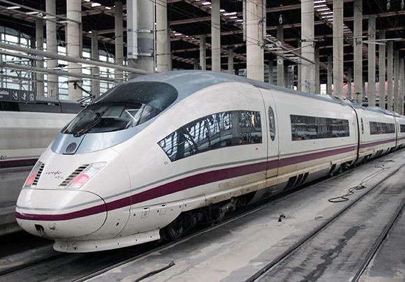 Nuevas opciones de viaje desde Valladolid y Segovia en trenes AVE