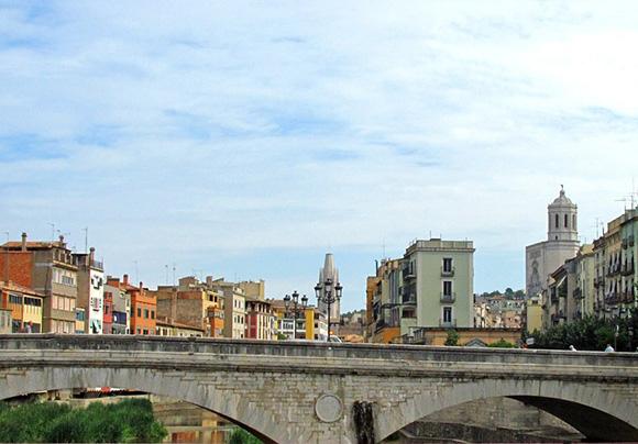 Aprovecha el otoño para conocer Girona viajando en trenes AVE