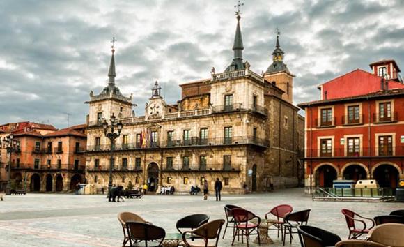 León ha ganado turistas tras un año de la llegada del AVE