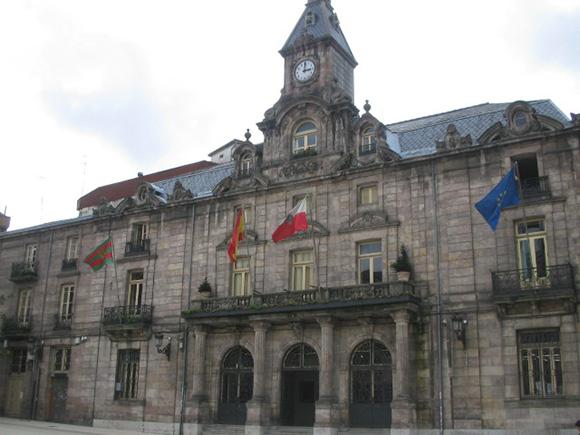Descubre Torrelavega haciendo un viaje barato en tren