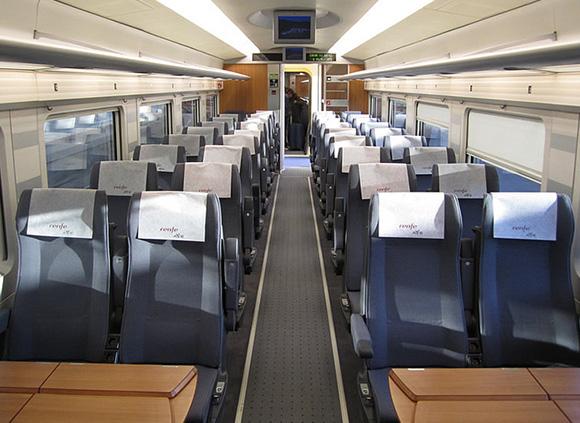 Los trenes AVE desbancan al avión