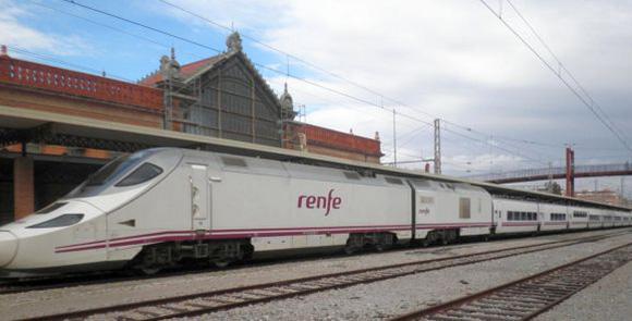 Disfruta de estos castillos templarios viajando en tren por España
