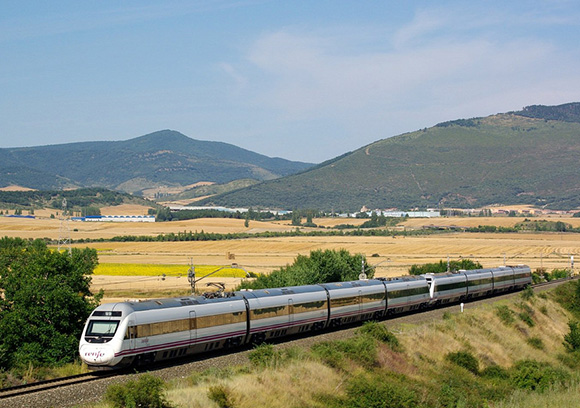 8 de cada 10 navarros prefieren viajar en tren a Madrid