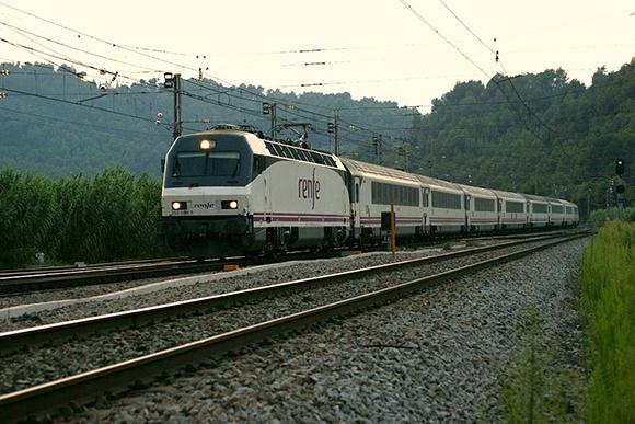 Viaja en tren a conocer Puebla de Sanabria