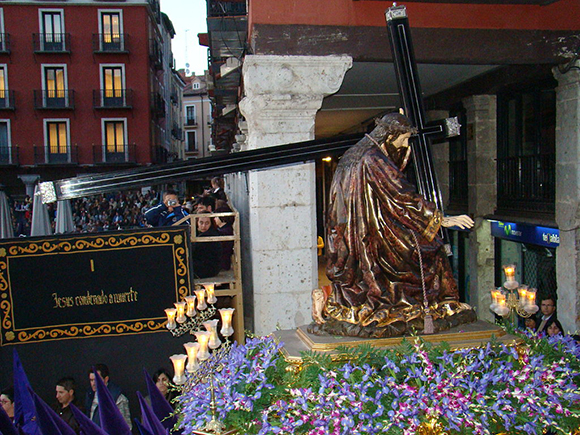 La Semana Santa de Valladolid, conócela haciendo un viaje barato en tren