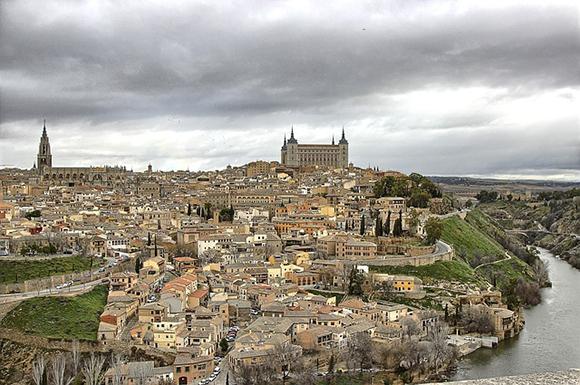 Haz un viaje en trenes AVE a Toledo y conoce la ciudad Imperial
