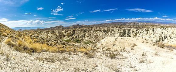 Haz un viaje barato en tren a Almería y visita el Desierto de Tabernas