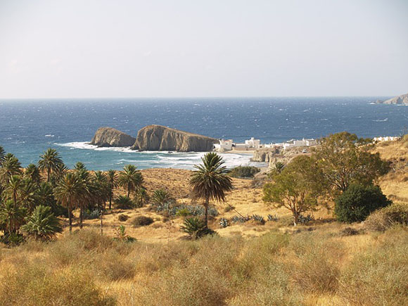 Haz un viaje barato en tren a Almería este mes de mayo 2017 y disfruta de sus maravillosas playas