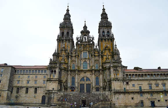 Haz un viaje barato en tren a Santiago de Compostela y disfruta de las Fiestas de la Ascensión 2017