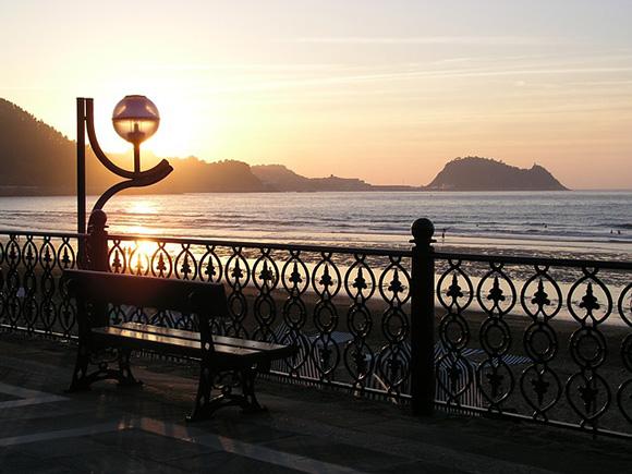 Compra unos billetes de tren y viaja a conocer los pueblos más pintorescos de la costa de Guipúzcoa el próximo fin de semana