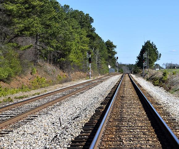 Aumenta la venta de billetes para los trenes Madrid Algeciras y los trenes Madrid Huelva en lo que va de año 2017