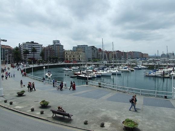Trenes económicos para la Semana Grande Gijón 2017