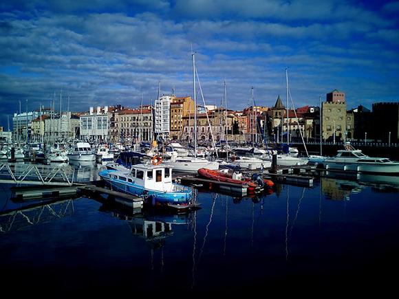 Escapada a Gijón con trenes baratos este otoño 2017