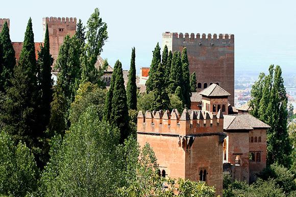 Trenes baratos a la Alhambra en octubre 2017