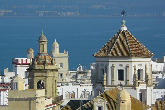 Trenes baratos para descubrir Cádiz en octubre 2017