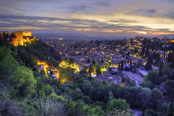 Trenes baratos para disfrutar de las vacaciones de Navidad 2017 en Granada