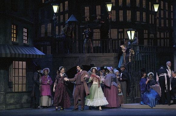 Trenes AVE con la ópera La Bohème