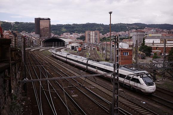 Reducción de tiempos en los trenes Madrid Ávila en enero 2018