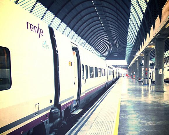 En 2017 los españoles viajaron más, muchos lo hicieron en trenes AVE