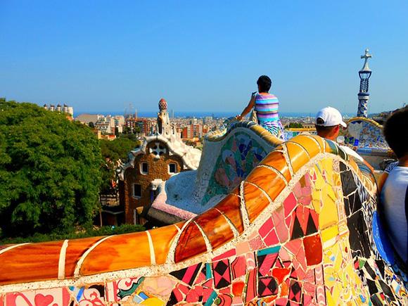 Viaja a Barcelona en trenes AVE baratos en mayo 2018