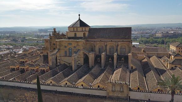 Consigue billetes de trenes AVE para la Feria de Córdoba 2018