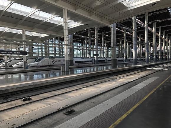 Trenes AVE León Valladolid a máxima velocidad en agosto 2018