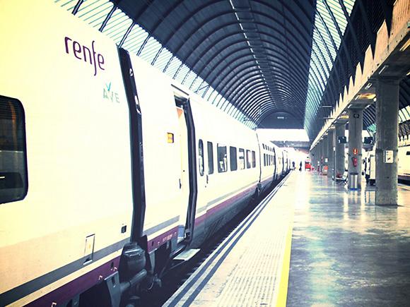 Más viajeros en los trenes AVE Alicante Madrid hasta 2018