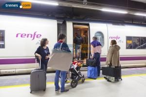 Aprovecha los descuentos para viajar en tren a las Fallas de este año