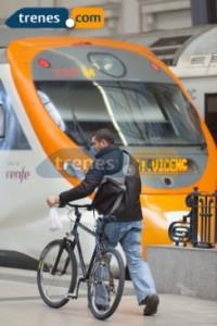 Viaja en tren y visita el Mirador de Benidorm, uno de los más bonitos de España