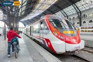 Pasa la Semana Santa en Murcia viajando en tren