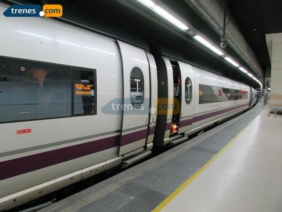 Visita Tarragona en Vespa viajando en trenes AVE