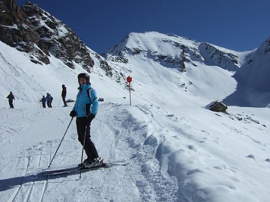 Los destinos más baratos con los trenes más baratos para ir a esquiar