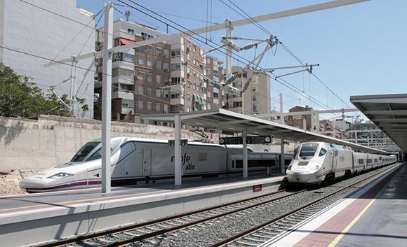 Se mejoran los tiempos de viaje y se duplican las frecuencias a Galicia