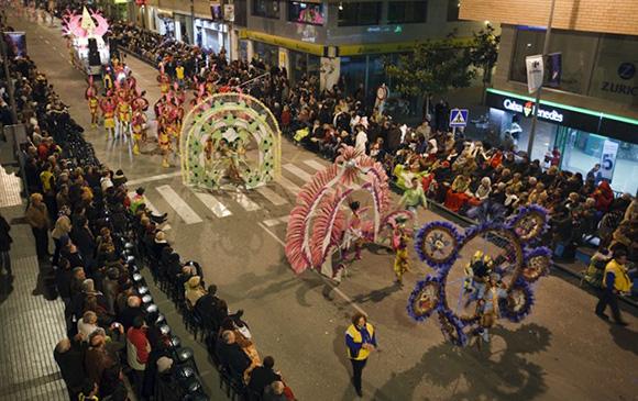 Disfruta del Carnaval de Vinaròs viajando en tren