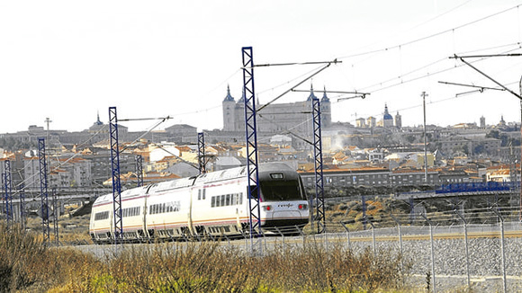 Disfruta de una escapada en AVE a Toledo durante Semana Santa