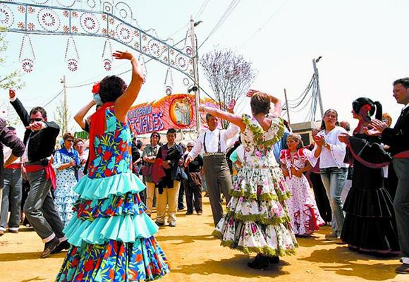 Vive la Feria de Abril viajando en AVE a Sevilla