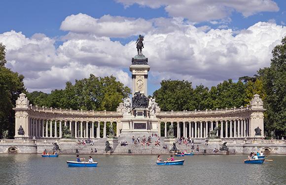 Disfruta del Parque del Retiro viajando en AVE a Madrid