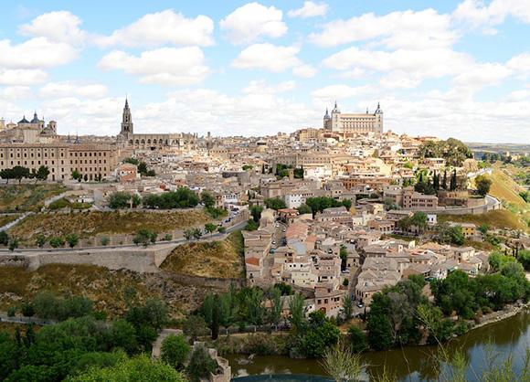 Disfruta de Toledo haciendo un viaje en AVE este verano