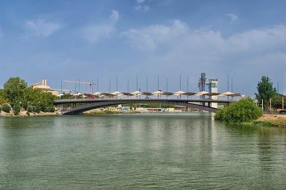 Cómo y qué hacer para viajar a Sevilla en agosto y sin pasar calor