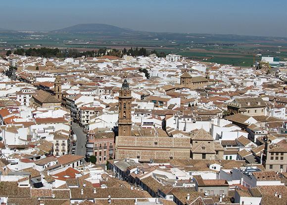 Disfruta de los últimos días de verano con un viaje en AVE a Antequera
