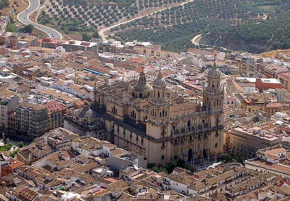 Prepara una escapada en tren a Jaén este mes de noviembre
